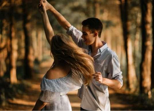Matt Kahn – Pouze láska dokáže transformovat nás i naše okolí