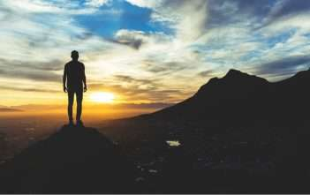5. dimenzionální vědění versus 3. dimenzionální přesvědčení